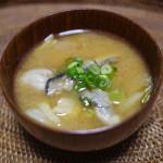 牡蠣と白菜のおみそ汁 ~疲労回復と貧血予防に~