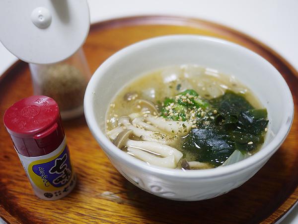 たまねぎとわかめの味噌汁作り方