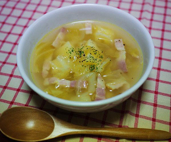 キャベツとじゃがいものスープ