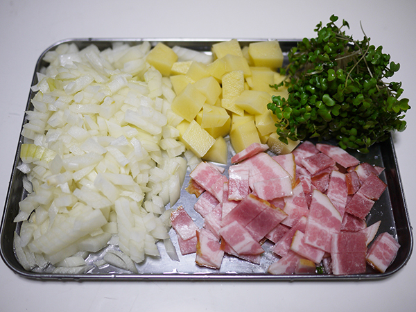 トマトとブロッコリーすぷらうとの豆乳スープ切り方