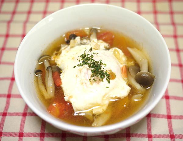 トマトとしめじの卵スープ