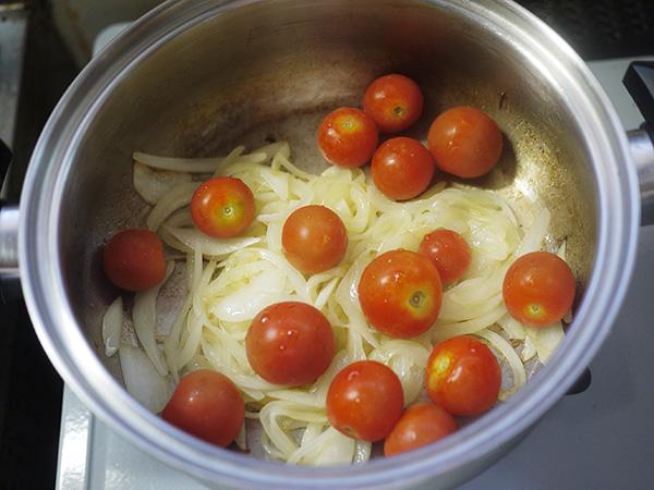 ミニトマトのポタージュ炒める